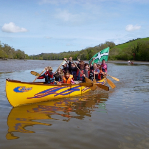 Arrow - large canoe perfect for big groups schools and families